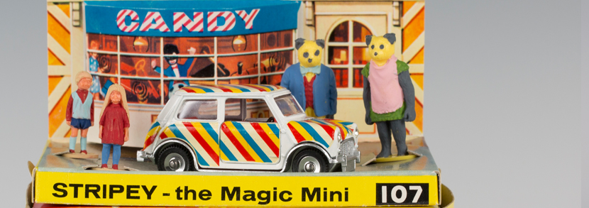 Dinky Toys No. 107 Stripey the Magic Mini with Candy Andy and the Bearandas