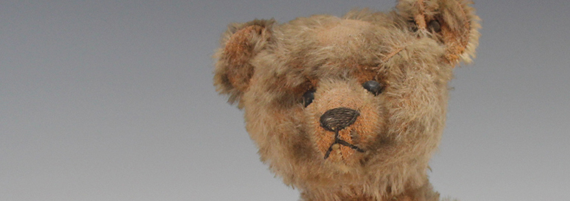 Steiff mohair humpback teddy bear, with button and tab in left ear