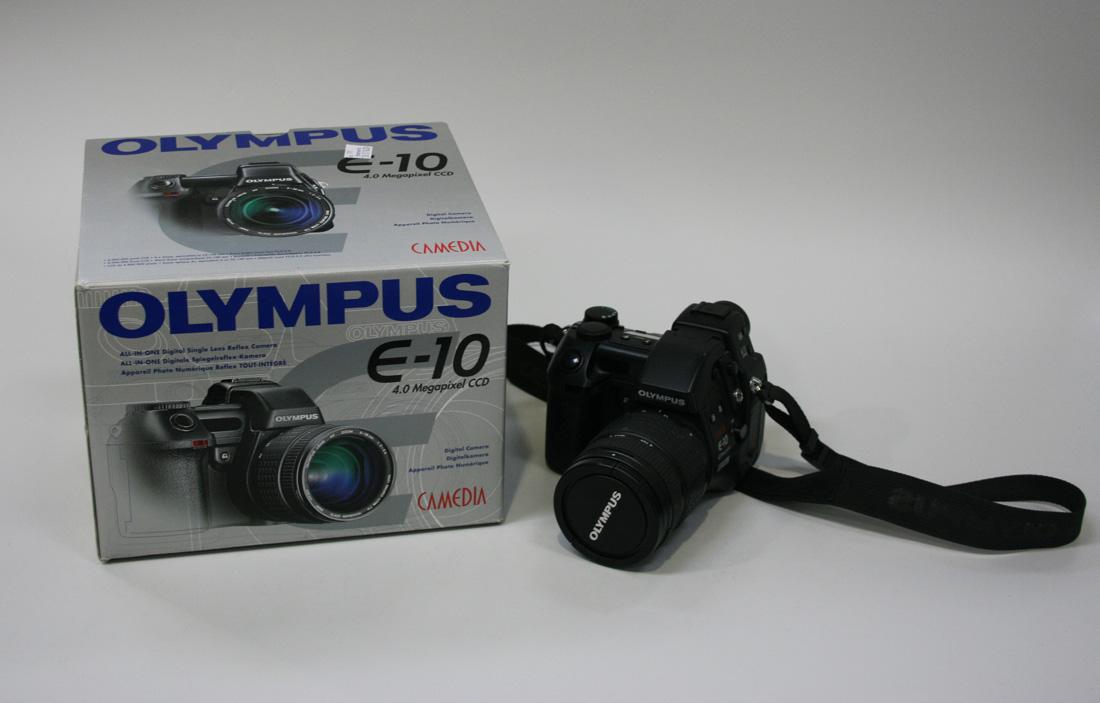 an olympus e 10 4 0 megapixel ccd digital camera two tripods a rh tooveys com Olympus E 10 Accessories Olympus Camedia Camera