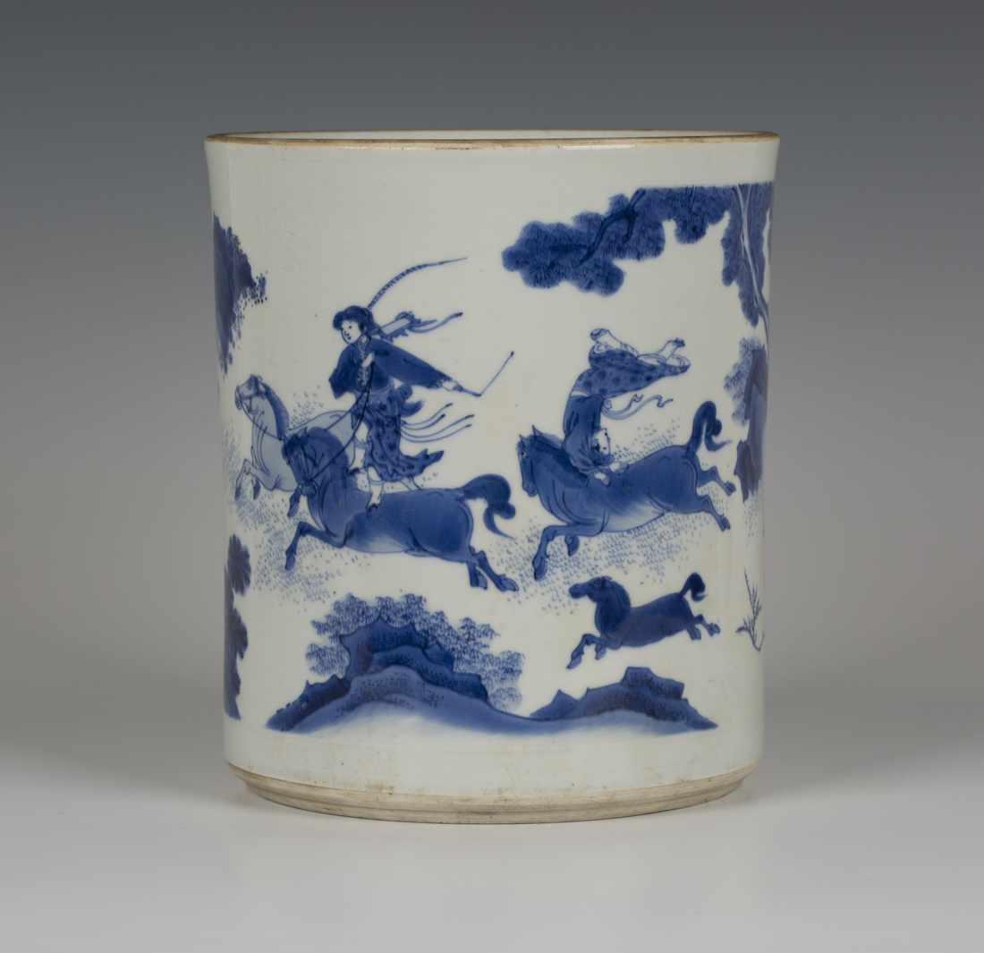 a rare chinese blue and white porcelain brush pot bitong