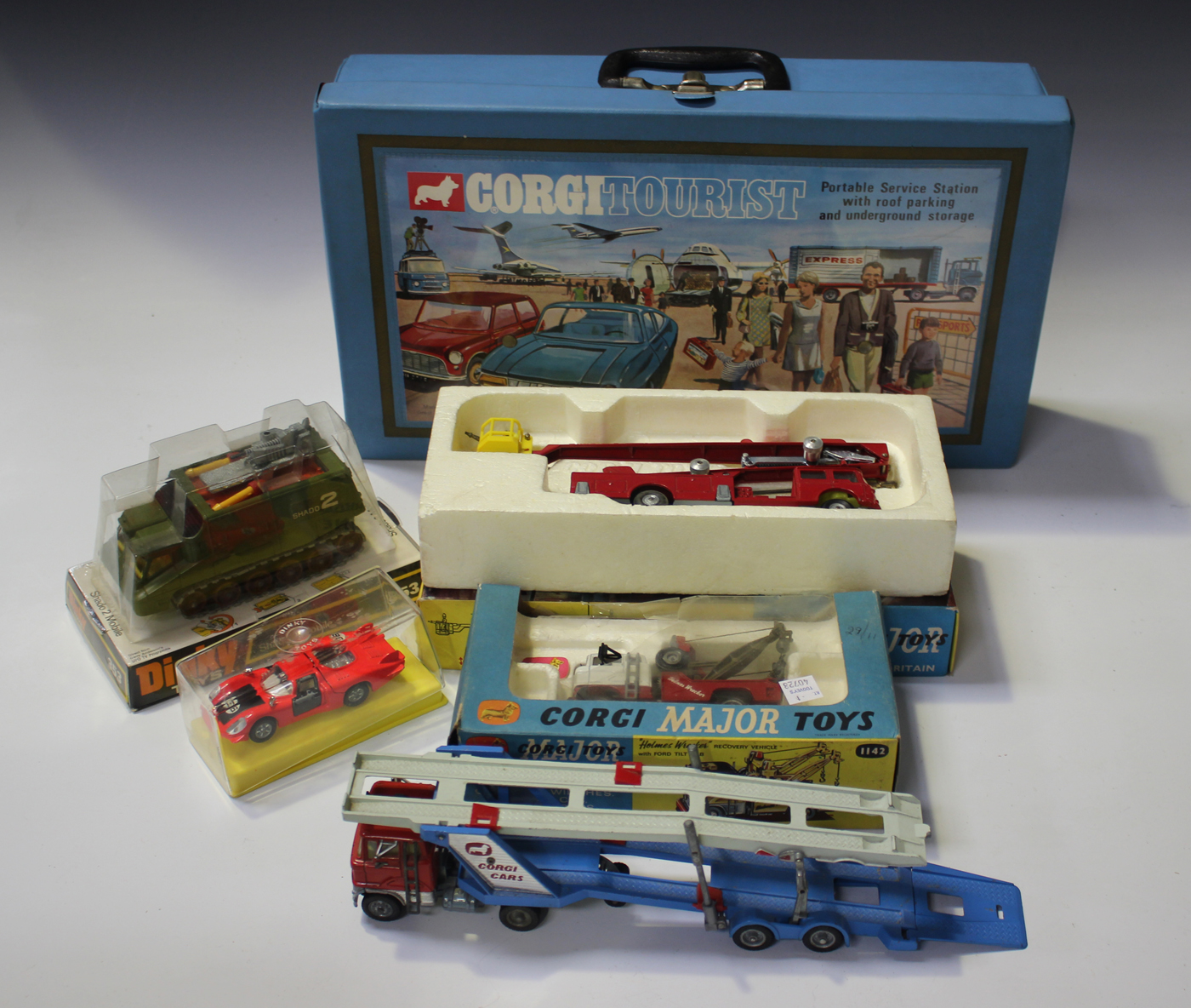 A Corgi Toys Major No 1127 Simon Snorkel Fire Engine Boxed